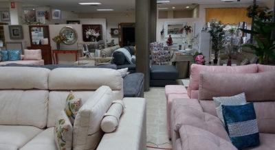 Exposición de muebles en PICOMAN - Grupo Ibercol, S.L.